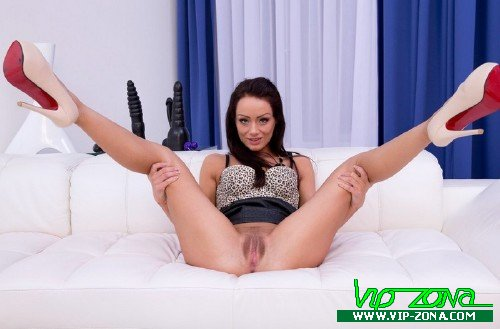 LegalPorno - Sophie Lynx - Sophie Lynx 3 on 1 BBC in Skinny Ass SZ365 [SD 480p]