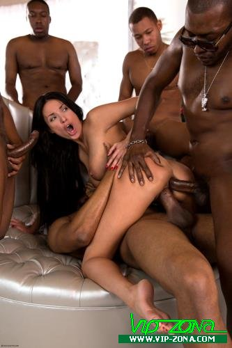 Anissa Kate - Anissa Gets Her Interracial Christmas Gang Bang Wish (2015/Colette.com/HD)