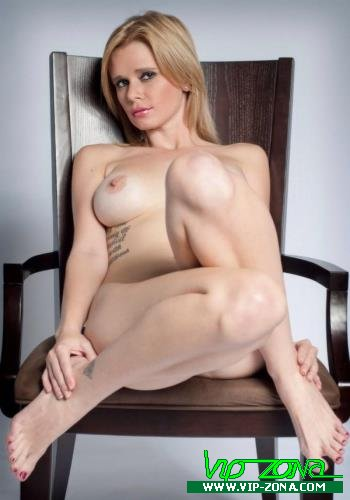 Vanessa Vixon - Knock Mommie Up Since Daddy Cant (2015/Jwties.com/Clips4sale.com/HD)